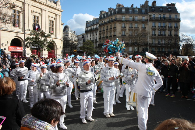 Carnaval de Paris 2016 - Batucada Brasis