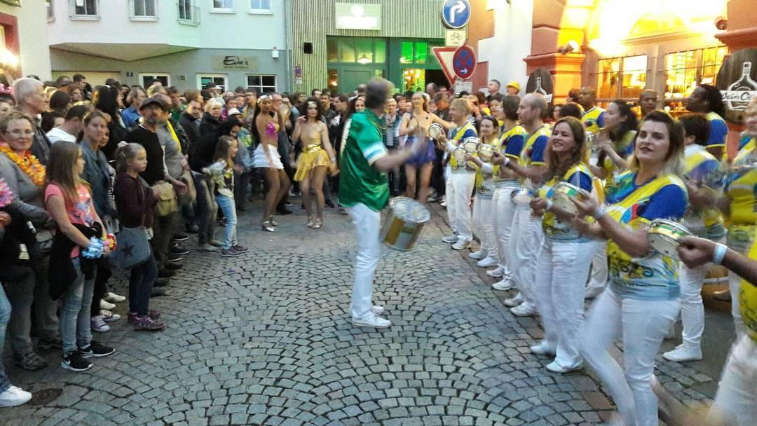 Brasis dans les rues de coburg samba festival coburgsambafestival
