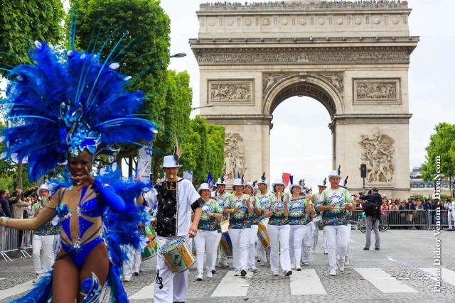Carnaval Tropical De Paris 2017 L Actualité De L école De Samba Brasis